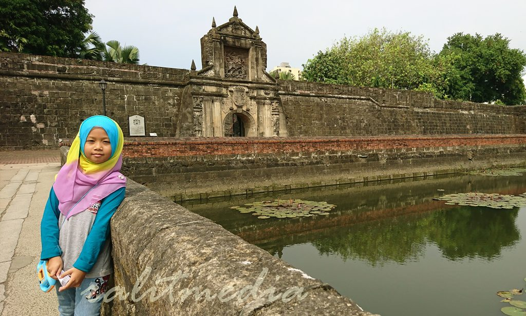 Jejak ke Intramuros, Manila