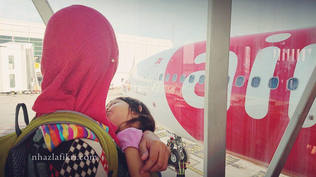 Bawa atau tinggalkan anak semasa melancong?