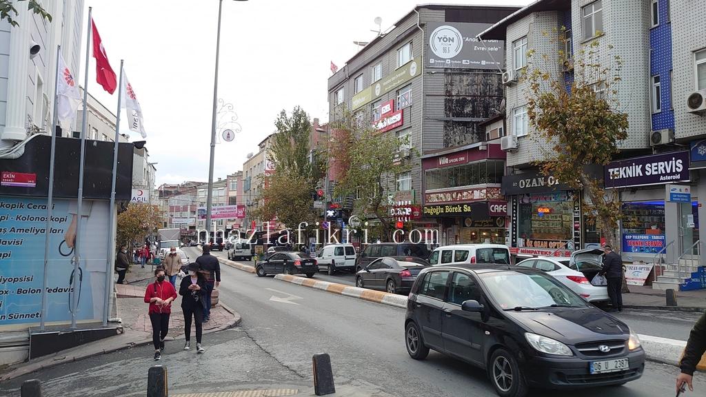 Jalan kaki atau naik teksi di Istanbul?